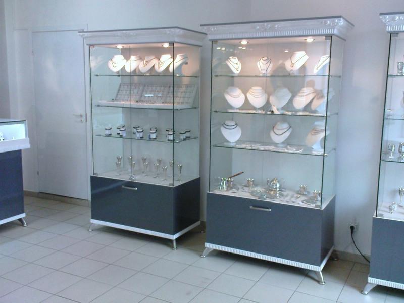международный конкурс-фестиваль пристенные шкафы в ювелирном магазине фото ним, максимально