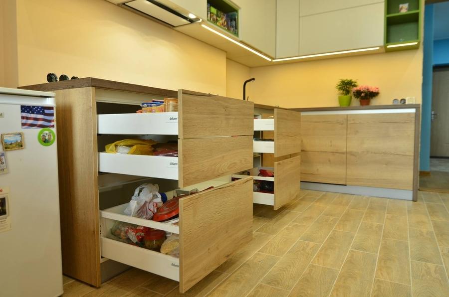 Белый кухонный гарнитур-Кухня из пластика «Модель 369»-фото4